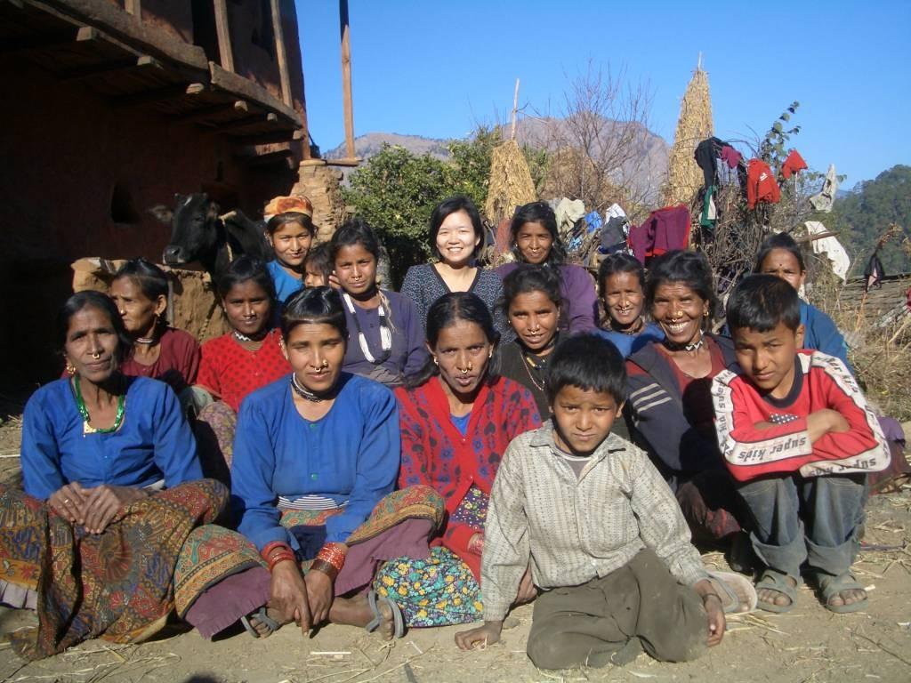 ダリット女性の自助グループと共に(極西部、ドティ郡)