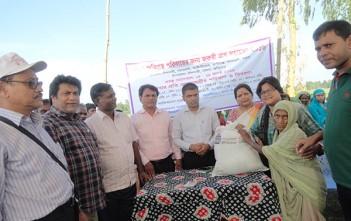 バングラデシュ洪水緊急支援