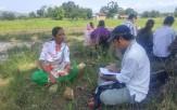 プロジェクト・オフィサーのインタビューに答えるマトゥラ・ダカルさん