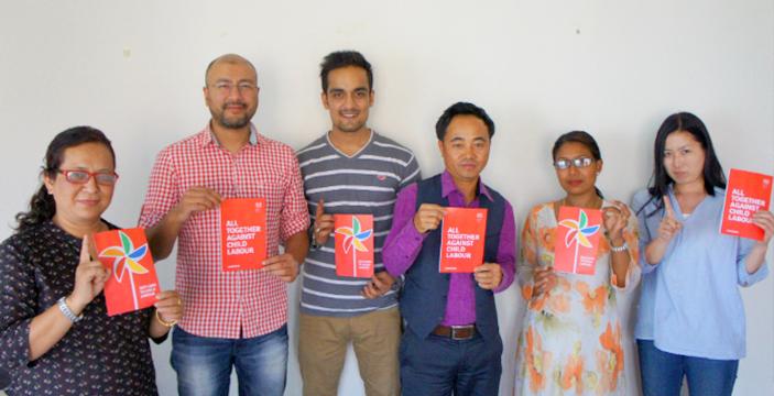 シャプラニールネパール事務所のレッドカードアクション