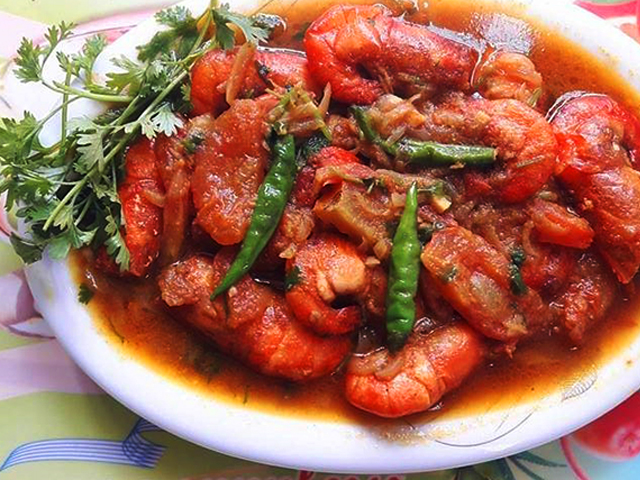 わたしの妻が作った「川エビとトマトのカレー」を紹介させてください!
