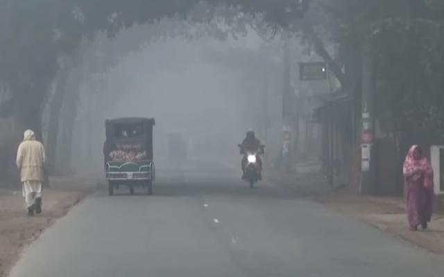 霧で視界が悪くなっています(bdnews24から拝借)
