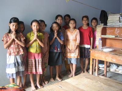 ジュマの人々に豊かな実りをもたらすとい想いが込めれた「モノゴール」寄宿舎学校に通う子ども達