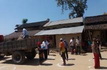 ネパール・マディ市内での食料配布の様子(RRN提供)