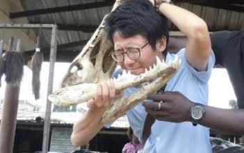 留学中、西アフリカ・トーゴにあるブードゥー教の呪術に使うミイラなどを売っている市場に訪れたときの写真