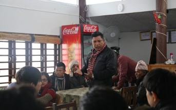 ネパールの洪水常襲地域の住民との交流会。3年間の支援活動の結果、この地域で洪水により命を落とす人はいなくなった。防災の取り組みについての意見交換では、日本の私たちが学ぶことも多かった。