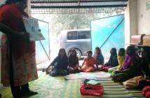 支援センターで授業を受ける女の子たち