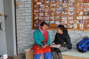 2016年、ネパール・ポカラ郡にて。フェアトレード団体WSDOへインタビュー