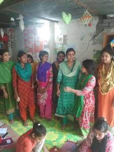 支援センターに通う少女たちと。世界中の子どもは等しく尊い存在。