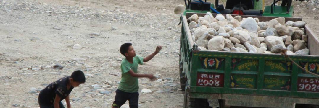 ネパールの地方部における児童労働削減支援